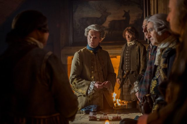 11/01-03 Int Tavern. Princes Charles convinced to return to Scotland, Jamie disagrees 11/08 Jamie says a prayer over Claire